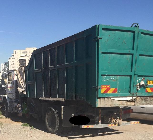 קונים משאיות לפירוק