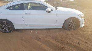 גרר בחול - חילוץ רכב שקוע בחול